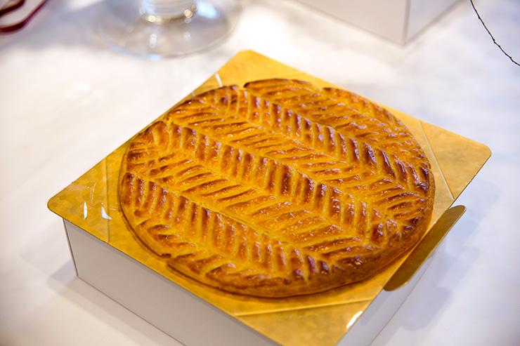パリスタイルフラワーアトリエ KOLME(コルメ) BOXフラワー&ガレットデロワ食べ比べ イベント ラプティットキュイエール
