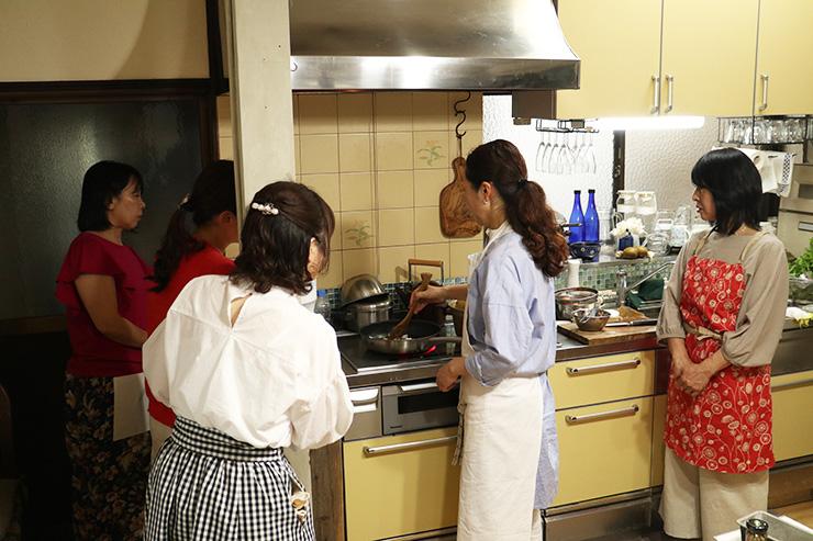 6/1 パリスタイルフラワーアレンジメントとフランス菓子・料理イベント in 広島 アトリエローズママ フラワーレッスン キャンドルライトディナー
