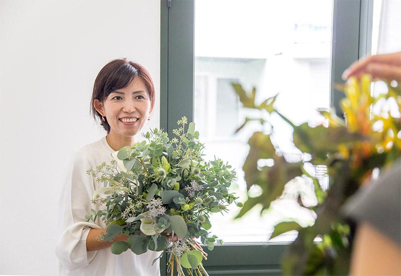 フラワー教室開業 ビジネスの仕組み作りとweb集客で売れるスクールへ 東京 世田谷 KOLME(コルメ)パリスタイルフラワーアレンジメントを習う!パリスタイルフラワーアレンジメントとは