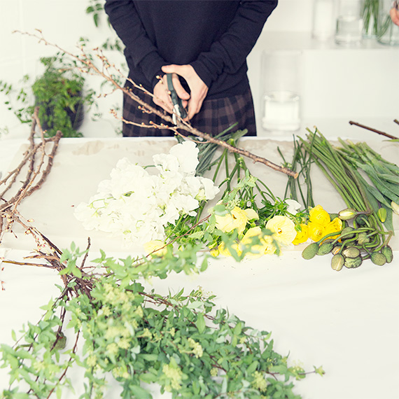 フラワー教室開業 ビジネスの仕組み作りとweb集客で売れるスクールへ 東京 世田谷 KOLME(コルメ)パリスタイルフラワー ディプロマコースレッスン 枝の扱い