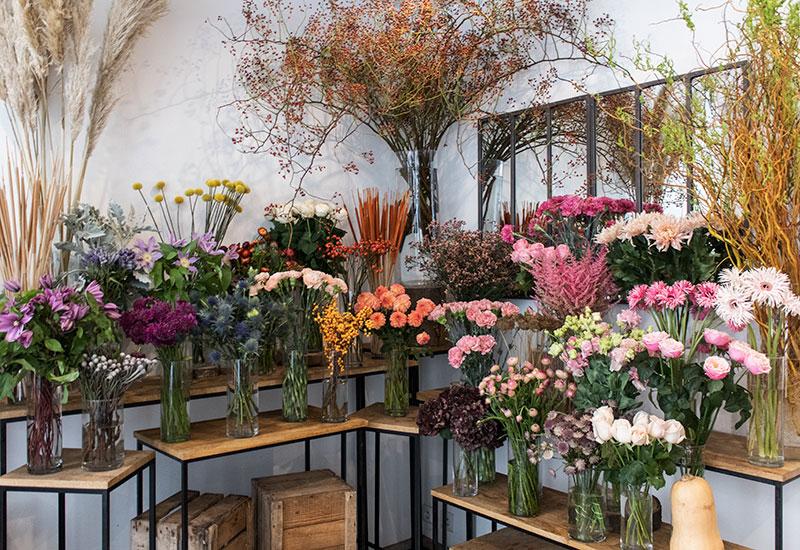 パリスタイルフラワー教室開業 ビジネスの仕組み作りとweb集客で売れるスクールへ 東京 世田谷 KOLME(コルメ)パリの花屋さん パリ18区・モンマルトルの丘の北東エリアで花屋さんをめぐってきました L'usine a Petales