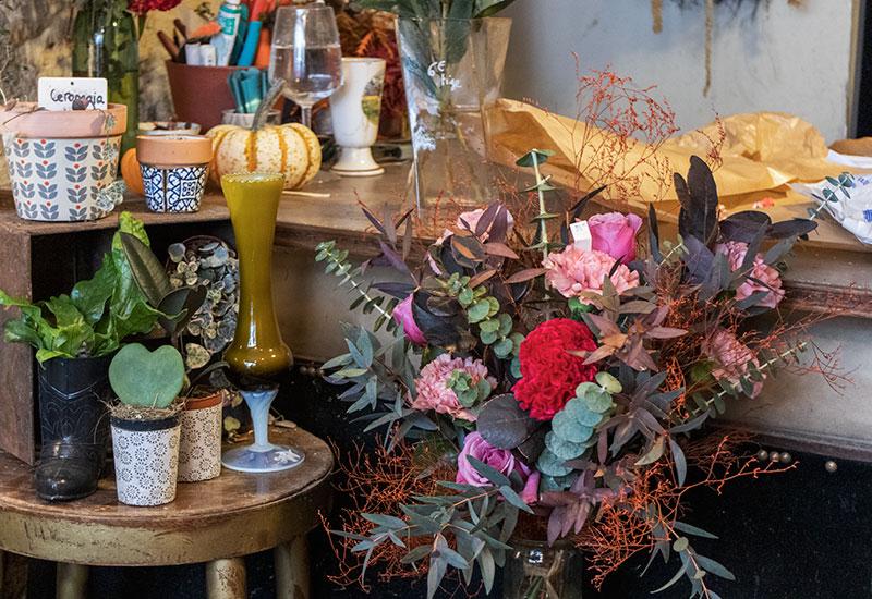 パリスタイルフラワー教室開業 ビジネスの仕組み作りとweb集客で売れるスクールへ 東京 世田谷 KOLME(コルメ)パリの花屋さん パリ18区・モンマルトルの丘の北東エリアで花屋さんをめぐってきました Meme Dans Les Orties