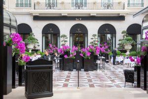 フォーシーズンズホテル・ジョルジュサンク装花 中庭