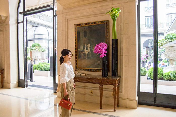 フォーシーズンズホテル・ジョルジュサンク装花 廊下