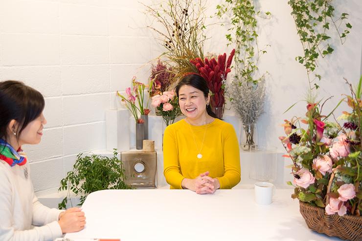 パリスタイルフラワー教室KOLME(コルメ)受講生インタビュー anna代表アーユルヴェーダ料理研究家 三浦麻貴さん