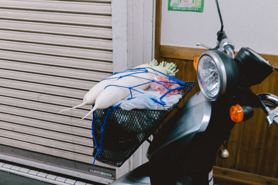 仙台フォト散歩 いろは横丁とスパイスカレーの店「れーげんぼーげん」