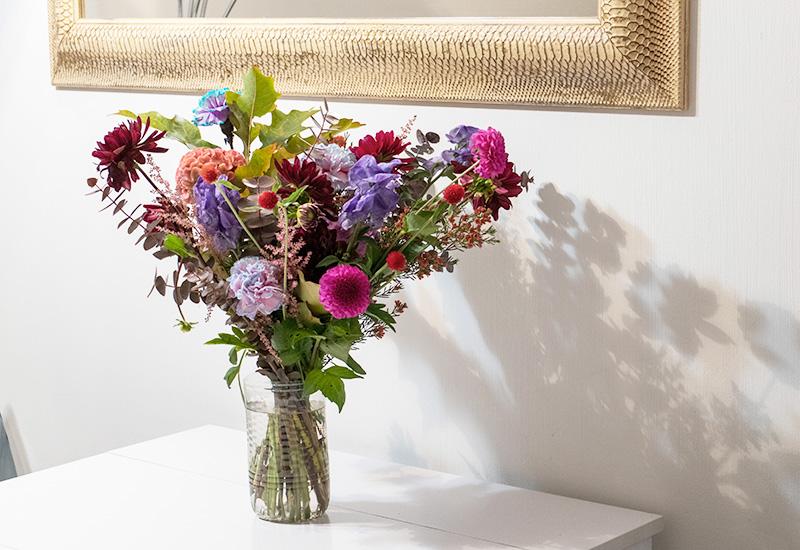 パリスタイルフラワー教室開業 ビジネスの仕組み作りとweb集客で売れるスクールへ 東京 世田谷 KOLME(コルメ)パリ18区・モンマルトルの花屋さん:Muse Montmartreでブーケを束ねてもらいました ミューズモンマルトル
