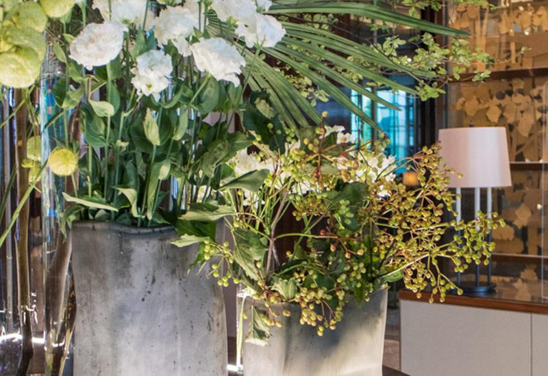 パリスタイルフラワー教室開業 ビジネスの仕組み作りとweb集客で売れるスクールへ 東京 世田谷 羽根木 KOLME(コルメ)ホテル装花めぐり パレスホテル東京 ロビー 装花