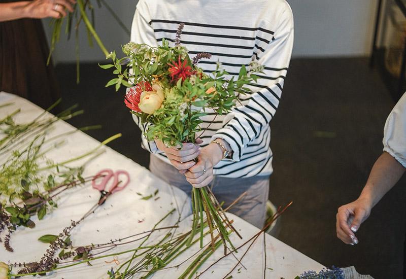 パリスタイルフラワー教室開業 ビジネスの仕組み作りとweb集客で売れるスクールへ 東京 世田谷 羽根木 KOLME(コルメ)プレディプロマコース レッスン 風景