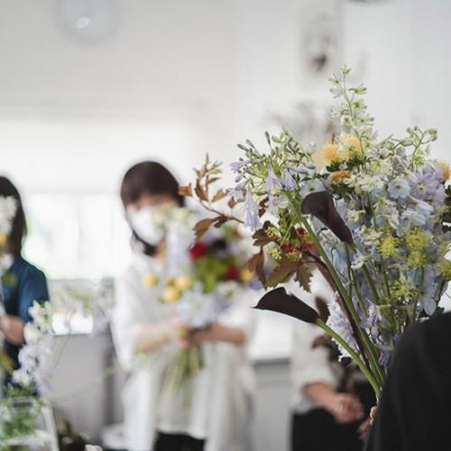 パリスタイルフラワー教室開業 ビジネスの仕組み作りとweb集客で売れるスクールへ 東京 世田谷 羽根木 KOLME(コルメ)歌舞伎の舞台をパリスタイルブーケにのせて。2021年7月レギュラーコースレッスンレポート