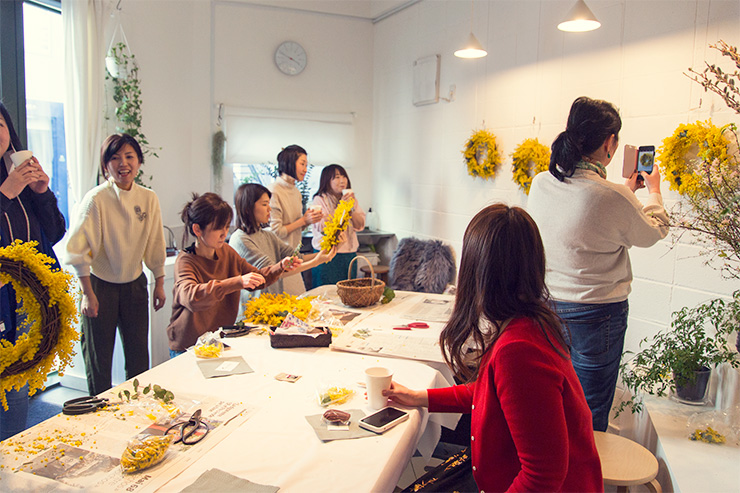 フラワー教室開業 ビジネスの仕組み作りとweb集客で売れるスクールへ 東京 世田谷 KOLME(コルメ)パリスタイルフラワー ミモザリースレッスン