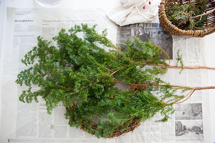 パリスタイルフラワー教室 KOLME(コルメ)クリスマスリースとスワッグのお手入れ
